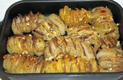картошка гармошка с беконом в духовке
