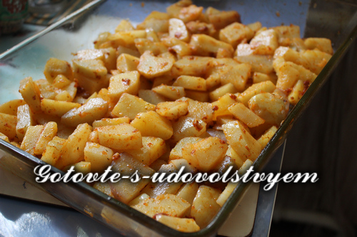 Картофель по-деревенски в духовке в рукаве