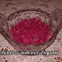 Салат из свеклы с чесноком, 6 рецептов