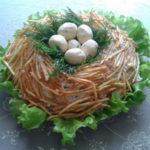 Салат «Гнездо глухаря», 7 разнообразных рецептов