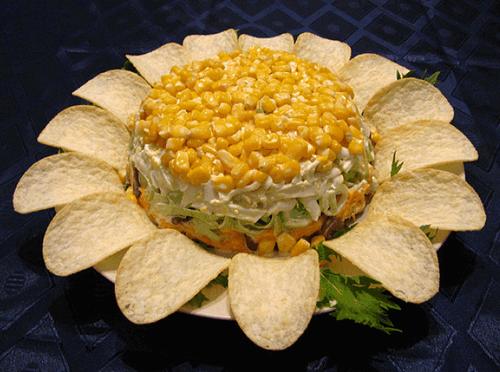 Салат «Подсолнух» с кукурузой
